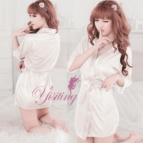 《Yisiting》經典浪漫!柔緞和服睡袍﹝白﹞